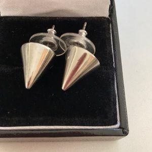 ✨✨CC Skye Cone Pyramid Stud Earrings ✨✨